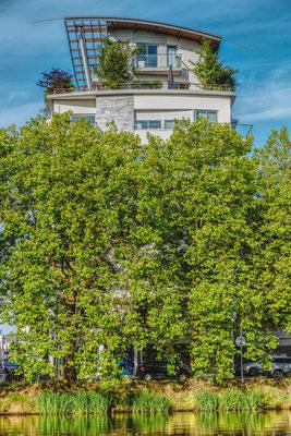 Nantes 14 - Immeuble en bord de Loire