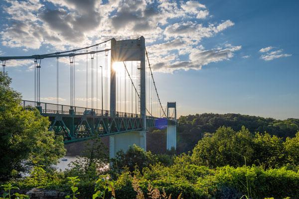 La Roche-Bernard 10 - Soleil couchant sur le pont