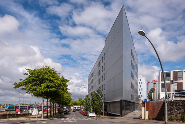 Saint-Nazaire 5 - Immeuble place Pierre Sémard
