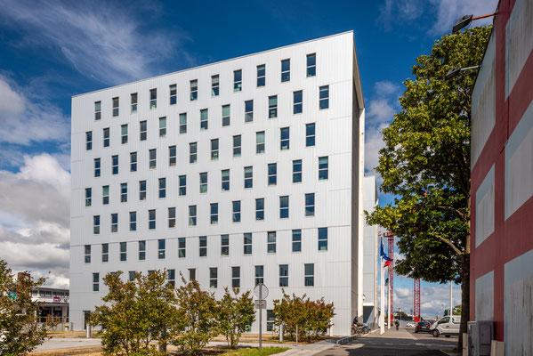 Saint-Nazaire 2 - Immeuble place Pierre Sémard