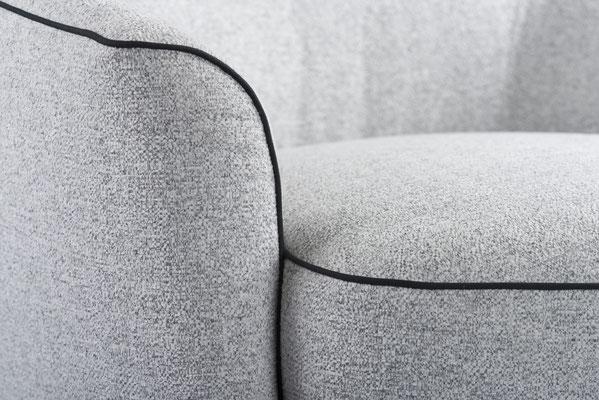 Packshot - photo du détail d'un fauteuil réalisée dans le show-room des Meubles Brignier