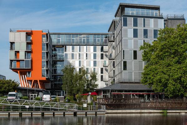 Nantes 15 - Immeuble en bord de Loire
