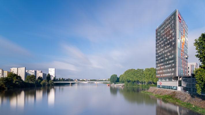 Nantes 21 - Vue sur la Loire depuis le pont Willy BRANDT