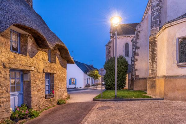 Camoël - nuit - villages - Bretagne - église - rue - place église