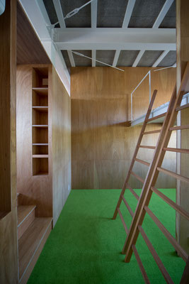 ロフトのある子ども室