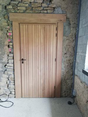Porte en chêne, réalisée dans nos ateliers.