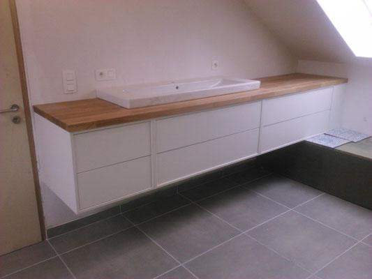 """Création de meubles à tiroirs montés sur coulisses avec frein et système"""" pusch"""""""