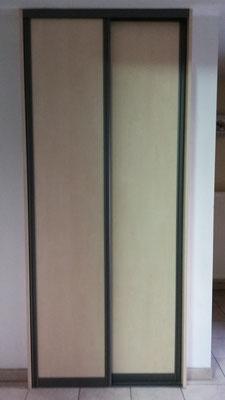 Nous travaillons avec des portes coulissantes dans les espaces réduits.