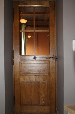 Porte vitrée en chêne avec loquet