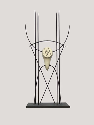 TAUROMAGIA. 2004. 196 x 86,5 x 53 cm. Hierro y piedra
