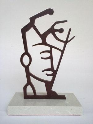 RETRATO. 2011.  23,5 x 16 x 8 cm. Iron.
