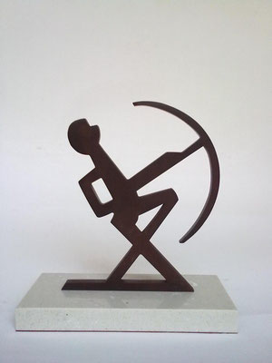 ARQUERO. 2011. 19,5 x 18 x 8 cm. Iron.