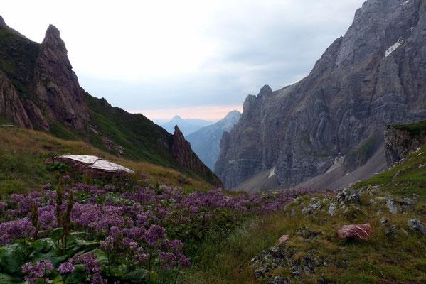...gefolgt vom Abstieg in Richtung Tal