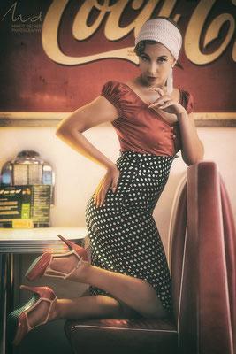 Model: Rena