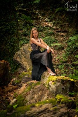 Model: Nina T.