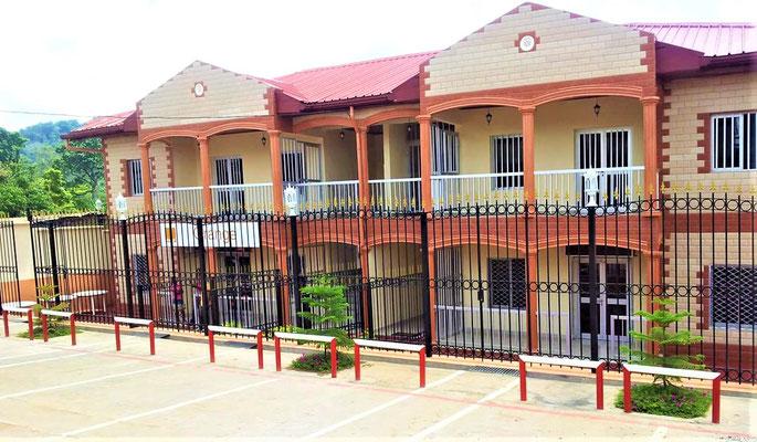 Ngomedzap, Résidence de l'Oncle Otsama