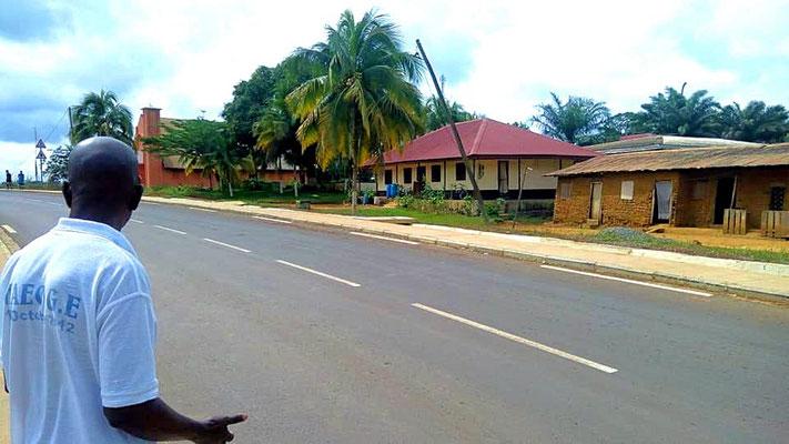 Ma'an route Meyo Centre Nyabisan vers le barrage de Memvele