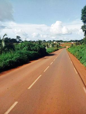Route Abong-Mbang Bertoua