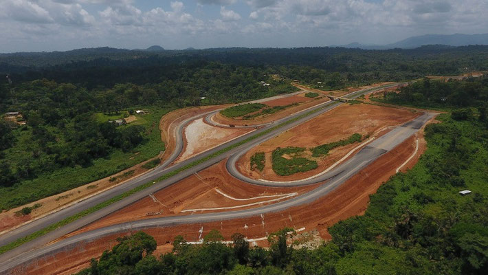 Autoroute Yaoundé-Douala. L'échangeur de Lobo