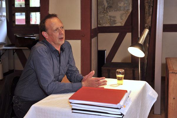 Autor Martin Weiß-Paschke im Gespräch mit dem interessierten Publikum.