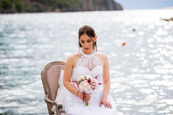 beautiful-photoshoot-μεσσηνια-νυφικο-sea-background