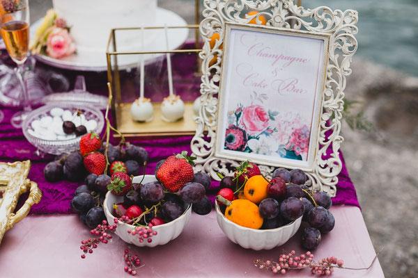beautiful-photoshoot-kalamata-food-wedding-decoration