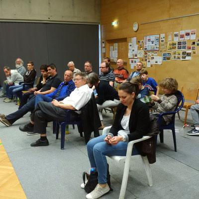 Zuschauerkulisse in Feldkirchen.