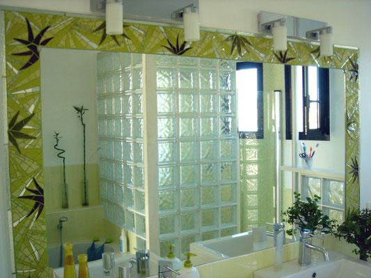 frise  Bambousalle de bain. commande privé