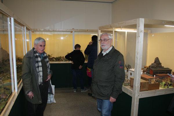 Sammlerfreunde in der Ausstellung