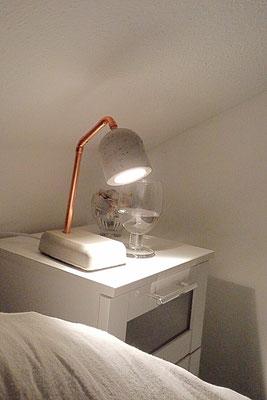 Betonlampen, Betonlampe, Nachttischlampe aus Beton