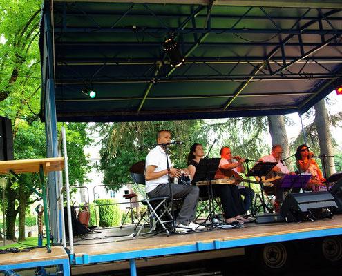 Nouiba, Mustafa Aïssi (chanteur kabyle) et Gilles Tissot (sax soprano), St Chamond, 6 juin 2015