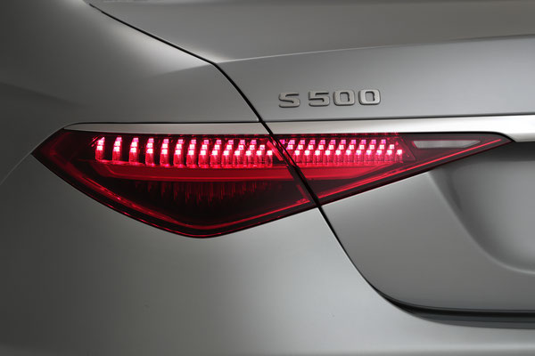 Mercedes-Benz 日本