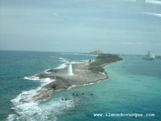 all'uscita del porto di Miami