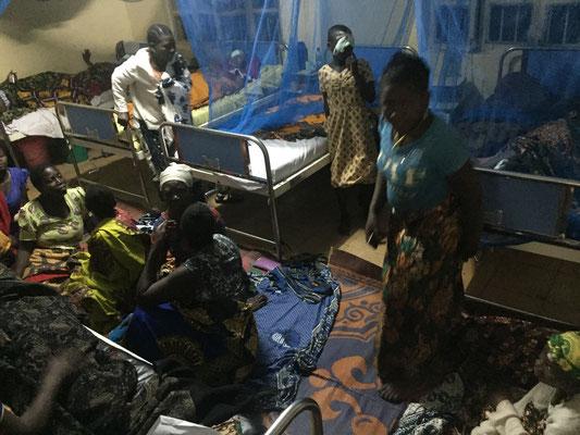 Nachtlager für Patienten und Angehörige im Krankenhaus