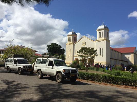 Abfahrt aus Ndanda - im Hintergrund die Benediktiner Abtei