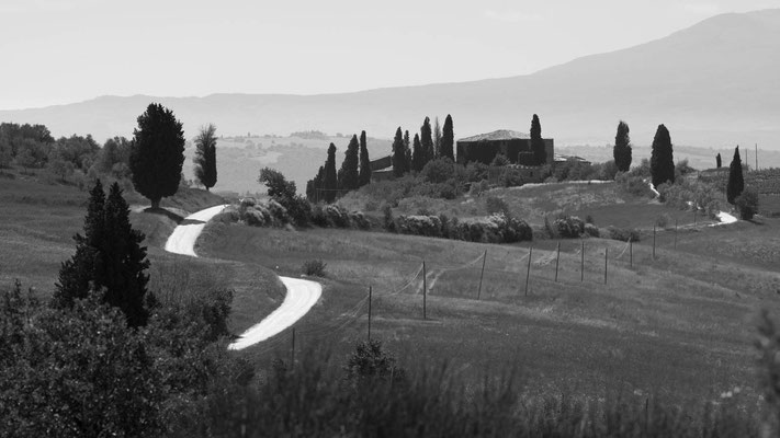 White road road to Montechiari