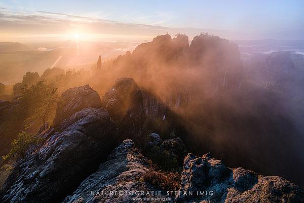 20201005-Schrammsteine im Nebel-