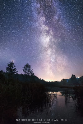 20180909-Milky way over a Lake-