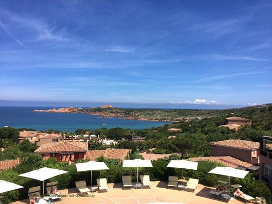 Traumhafte Aussicht: Blick von einer der Restaurant-Terrassen im Marinedda