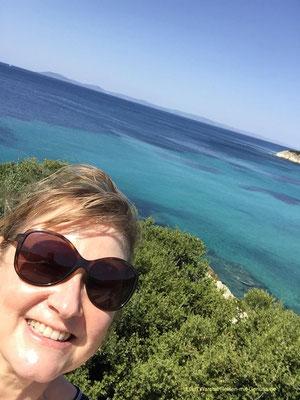 Türkisfarbenes Meer bei Toroni, wenn das kein Grund zum Strahlen ist!