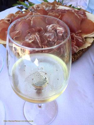 Köstlich: sardischer Schinken und aromatischer Schaumwein
