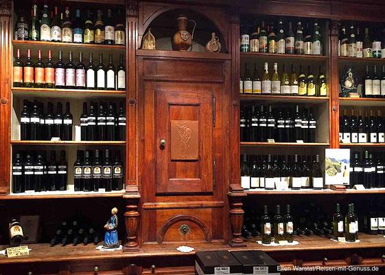 Vielseitiges Weinangebot: vom Südtiroler Lagrein und Vernatsch bis zu internationalen Rebsorten wie Cabernet Sauvignon, Merlot und Sauvignon blanc