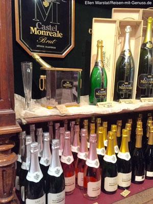 """Neben den Sekten """"Castel Monreale Brut"""" und """"Brut Rosé"""" gibt es noch den """"Castel Monreale Extra Brut"""" und die günstigere """"Club Cuvée"""""""