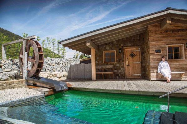 Ein herrlicher Platz zum Entspannen: die Blocksauna des Panoramahotels Oberjoch