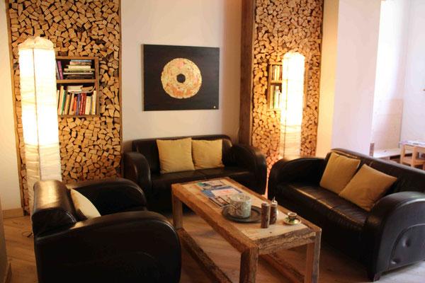 Ideal für eine Lesestunde: Sitzecke in der Lobby