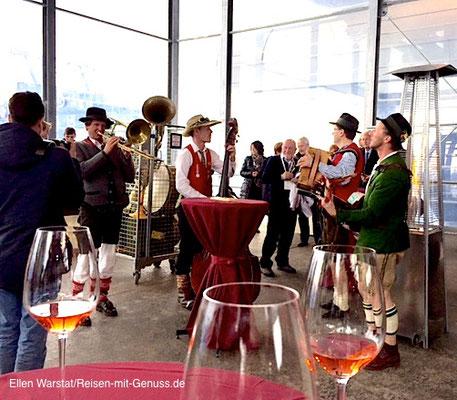 Mittelstation Gaislachkoglbahn: mit Musik und Wein