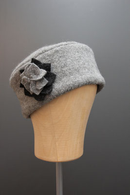 genähte Kappe aus Wollstoff aus dem eigenen Hutatelier