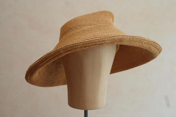 festlicher Hut aus Strohborten