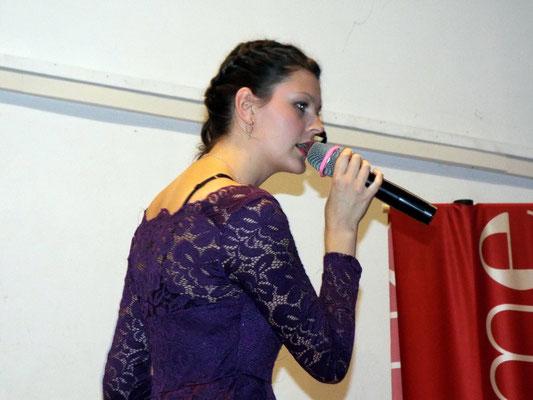 La chanteuse Ophélie