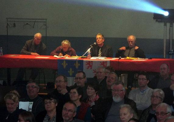 Le jury dans la salle